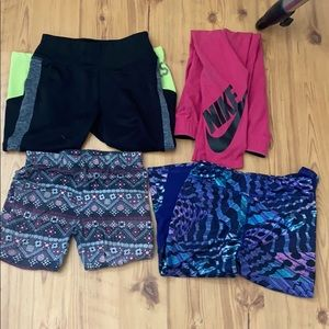 Lot of five pairs of girls leggings